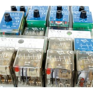 Industrial plug-in power relays