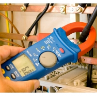 Klešťové ampérmetry a multimetry